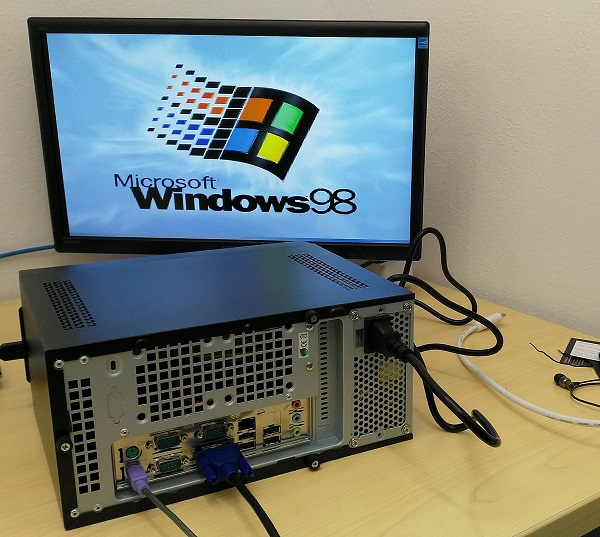 PC_Windows 98 rear.jpg
